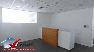 alquiler oficina en centro emrpesarial san isidro
